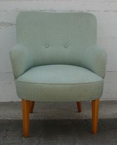 kleiner Sessel altes Design Heutz Raumausstattung