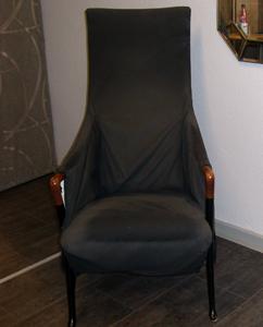 Stuhl mit hoher Lehne, altes Design Heutz Raumausstattung
